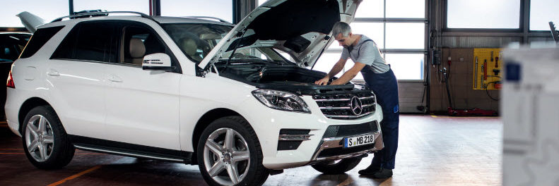mercedes-benz-technician